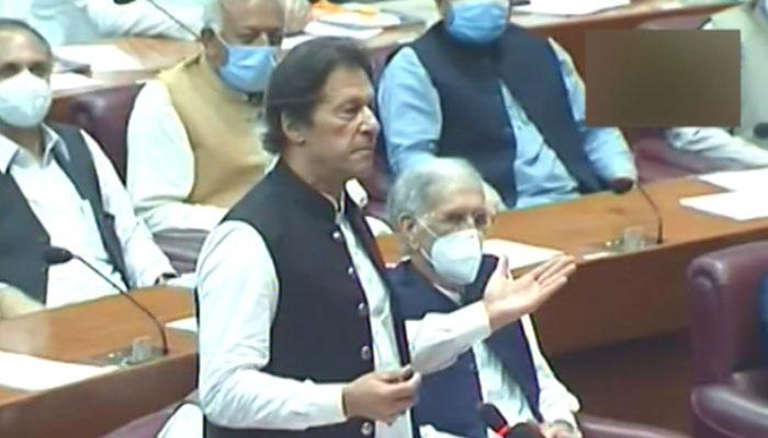 کرسی آنے جانے والی چیزیں ہے، وزیراعظم عمران خان