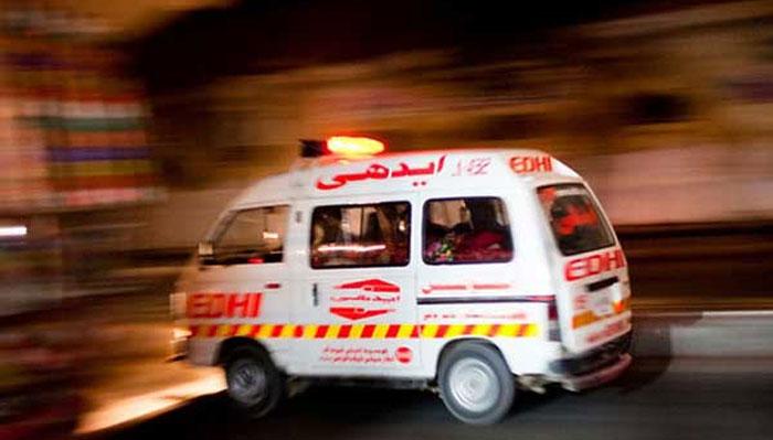 کراچی: گارڈن دھوبی گھاٹ کے قریب گاڑی پر فائرنگ، 2 افراد ہلاک