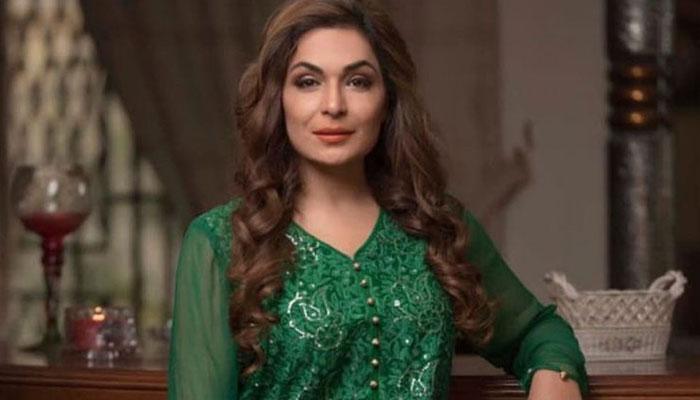 اداکارہ میرا سرکاری ٹی وی چینل پر اپنا شو کرنےکیلئے تیار