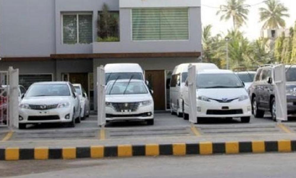 کراچی،جمشید روڈ کے کار شو روم میں ڈکیتی کی بڑی واردات