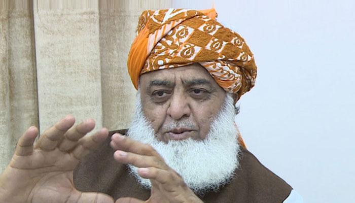 حکومت نے عالمی ایجنڈے کے تحت معیشت کو تباہ کیا، فضل الرحمٰن