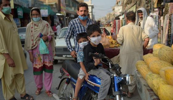 پاکستان: 2 لاکھ 40 ہزار کورونا کیسز