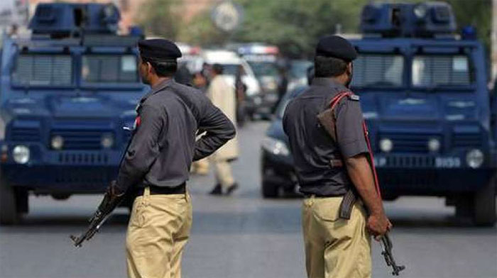 کراچی میں پولیس نے چار موٹر سائیکل لفٹر کو گرفتار کرلیا