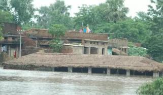 چین: طوفانی بارشوں نے تباہی مچادی، 480 سال پرانا پُل ٹوٹ گیا