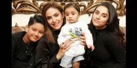 نادیہ خان کی اپنے چھوٹے بیٹے کیساتھ پہلی تصویر وائرل