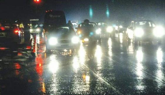 کراچی کے مختلف علاقوں میں بارش