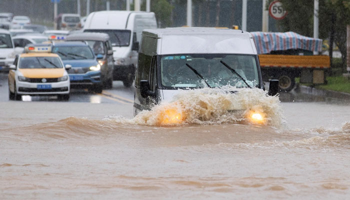 چین: شدید بارش کےبعد سیلاب، ووہان میں ریڈ الرٹ