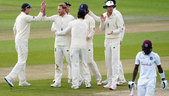 مانچسٹر ٹیسٹ: انگلینڈ 113 رنز سے کامیاب، سیریز 1-1 سے برابر