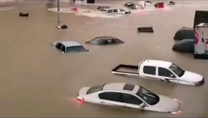 سعودی عرب: سیلاب میں بہنے والی خاتون کی لاش برآمد
