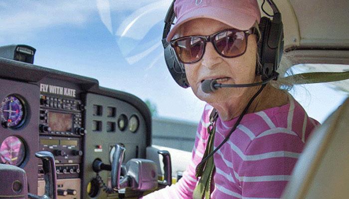 99 سالہ خاتون نےدنیا کی بزرگ ترین پائلٹ ہونےکااعزاز حاصل کرلیا