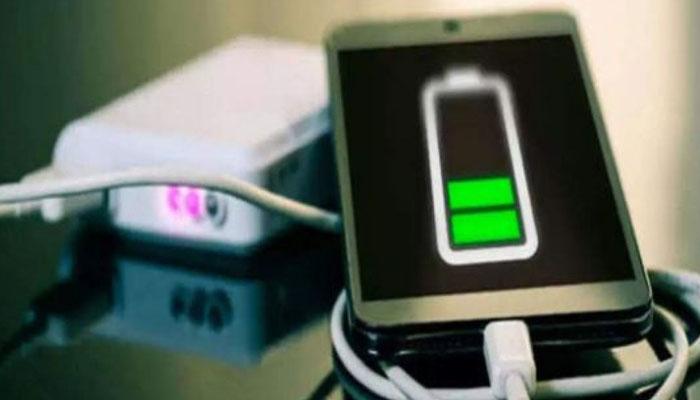 ایسا چارجر جو 15 منٹ میں اسمارٹ فون چارج کریگا