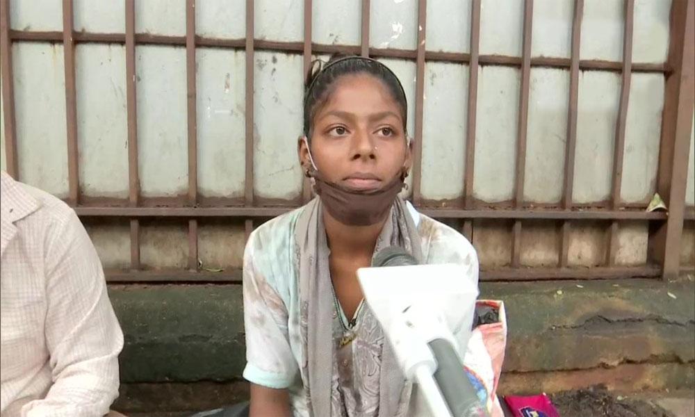 ممبئی کی فٹ پاتھ پر رہنے والی مسلم لڑکی میٹرک میں پاس