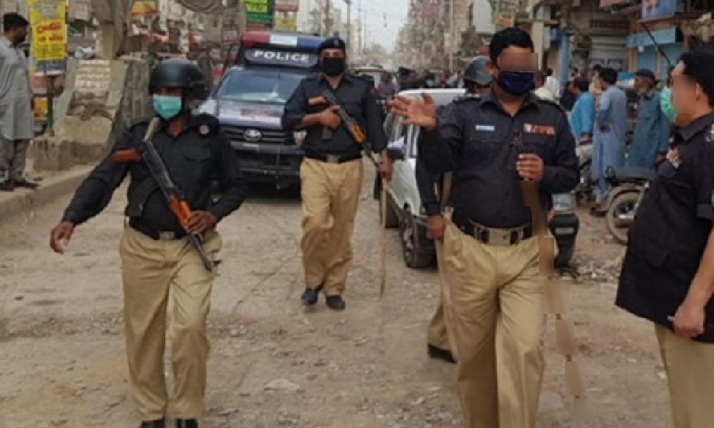 کراچی، ایس او پیز کی خلاف ورزی پر پولیس کی ہوائی فائرنگ