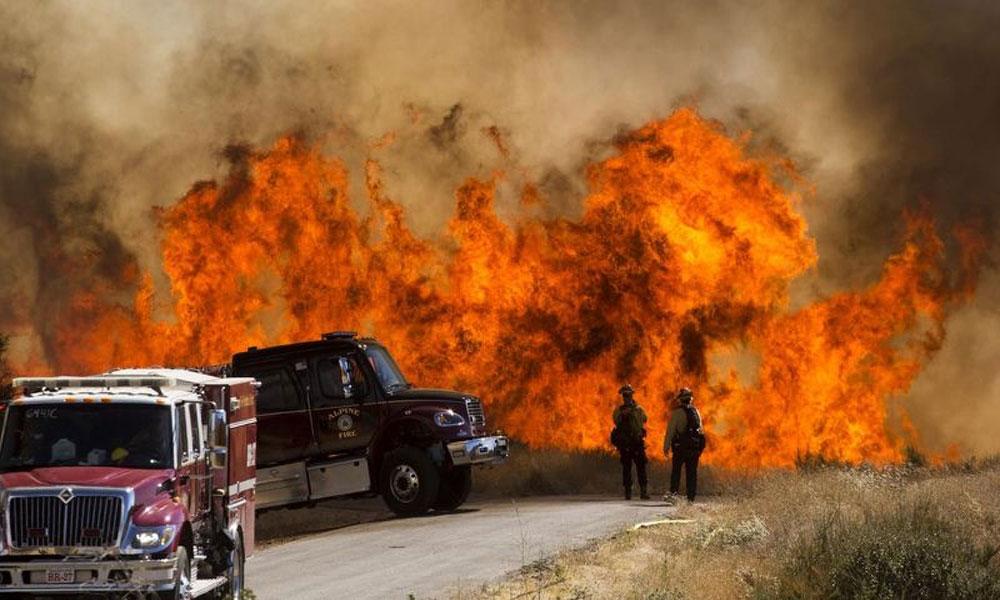 کیلی فورنیا کے جنگلات میں آگ، 8 ہزار افراد کے انخلاء کا خدشہ