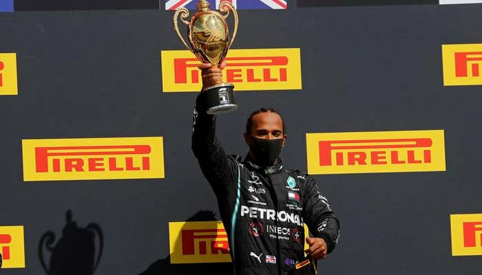 برطانوی ڈرائیور لوئیس ہملٹن نے فارمولا ون برٹش گراں پری جیت لی