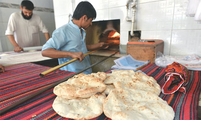 اسلام آباد میں روٹی، نان، پراٹھے، کلچےکی قیمتیں بڑھا دی گئیں
