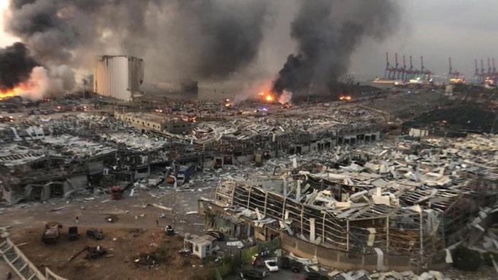 دھماکوں کے بعد بیروت میں دو ہفتوں کی ایمرجنسی نافذ
