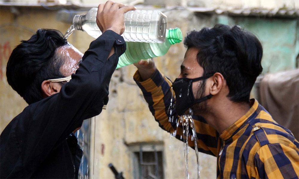 کراچی شدید حبس اور گرمی کی لپیٹ میں