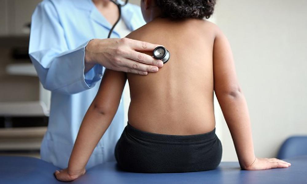 بچوں میں نمونیا ، اسہال قابل علاج امراض ہیں، طبی ماہرین