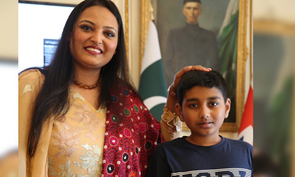 لندن، سائرہ پیٹر کی عالمی ریکارڈ بنانے والے بچےسے ملاقات