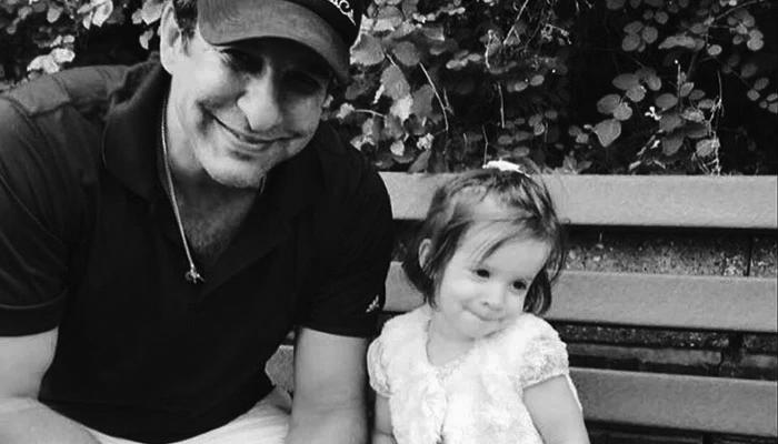 وسیم اکرم کا بیٹی کے لباس پر تنقید کرنے والوں کو جواب