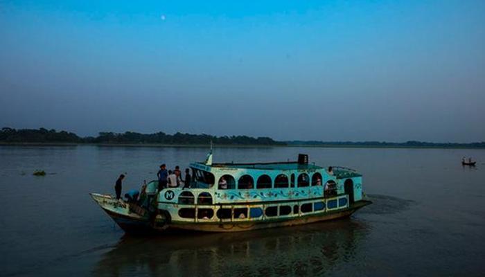 بنگلا دیش : کشتیوں کے خوفناک تصادم ، 10 افراد جاں بحق