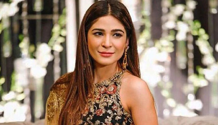 پاکستان میں خود کو غیر محفوظ محسوس کر رہی ہوں، عائشہ عُمر