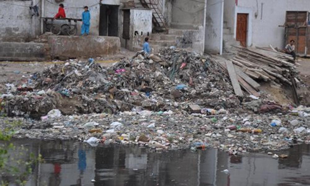 کراچی، گندگی کے سبب وبائی امراض میں اضافہ