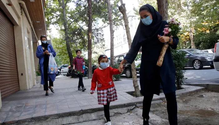 ایران میں کورونا کیسز میں اضافہ،  اموات 24 ہزار سے بڑھ گئیں