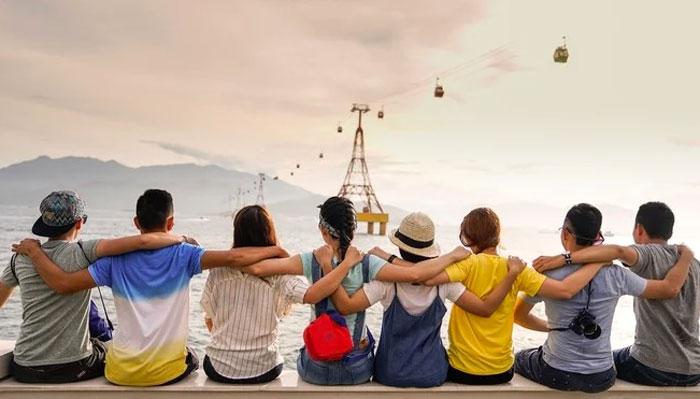 دوستوں کے ساتھ وقت گزارنا باعث خوشی، بیویوں کے ساتھ زیادہ رہنے والے ناخوش، تحقیق