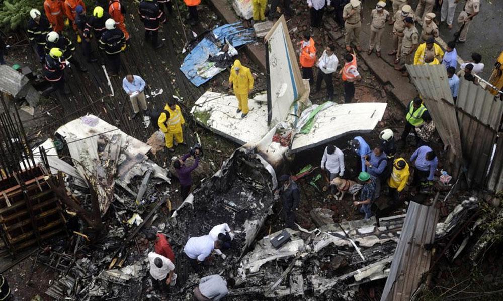 بھارت میں طیارہ گر کر تباہ ، تربیتی پائلٹ ہلاک