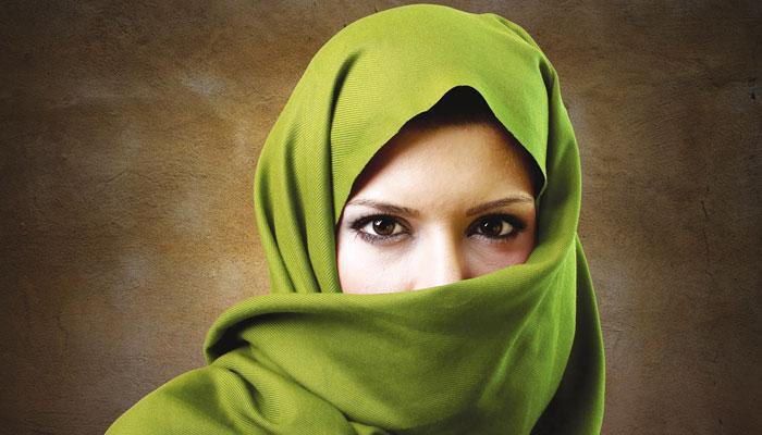کام یا پھر حجاب؟ سنگاپور میں نئی بحث