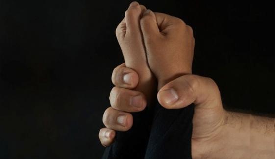 فیصل آباد: مختلف واقعات میں 2بچے زیادتی کا شکار