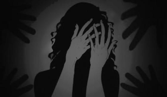 کراچی، اسٹیٹ ایجنٹس کی بیوہ سے زیادتی