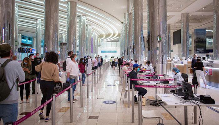 ورک ویزے پر پابندی برقرار، امارات میں غیر ملکیوں کو ویزوں کا اجرا شروع