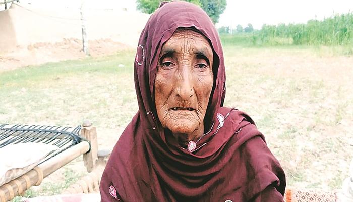 قیام پاکستان کے وقت بچھڑنے والے خاندان کی واٹس ایپ کے ذریعے ملاقات