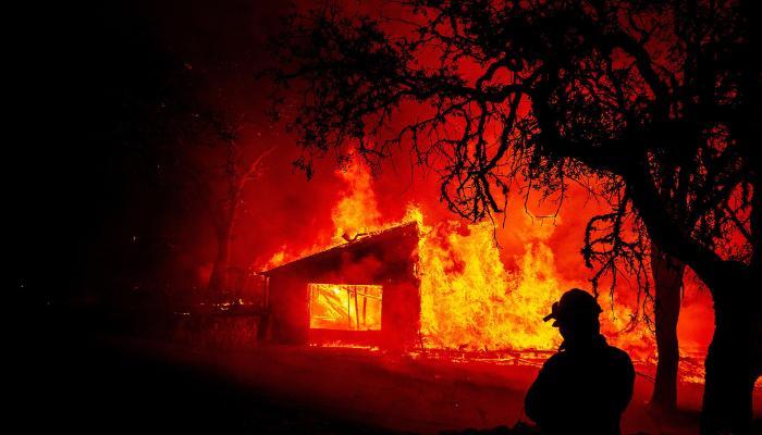 کیلیفورنیا،جنگلات میں لگی آگ 36 ہزار ایکٹر رقبے تک پھیل گئی