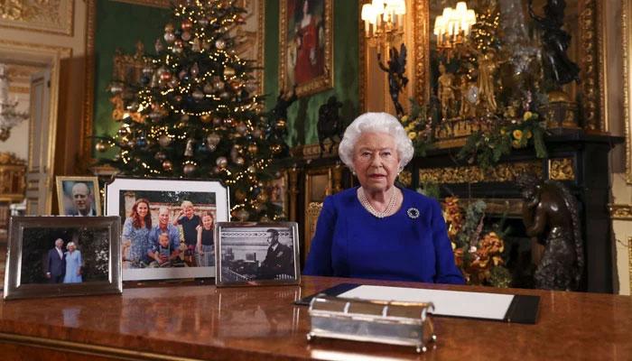 ملکہ نے کرسمس خطاب کی تقریب سے شہزادہ ہیری اور میگھن کی تصاویر ہٹوادیں