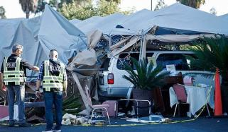 اناڑی ڈرائیور گاڑی ریسٹورنٹ میں لے کر گھس گیا، خاتون ہلاک