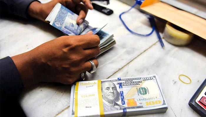 اوپن مارکیٹ میں ڈالر 163 روپے 40 پیسے کا ہوگیا