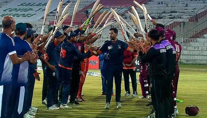 فاسٹ بالر عمر گل نے کرکٹ سے ریٹائرمنٹ کا اعلان کردیا