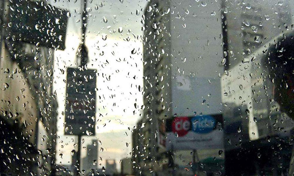 کراچی کے کئی علاقوں میں ہلکی بارش