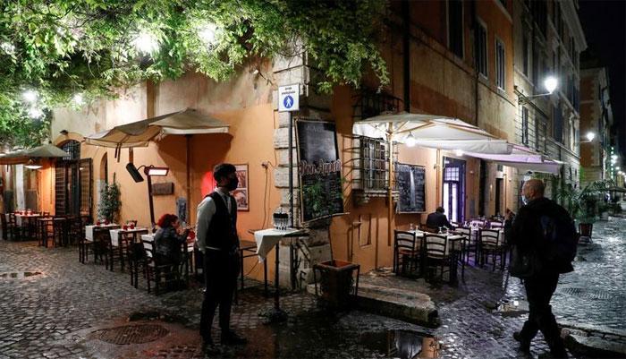 اٹلی: ایک دن میں کورونا کے گیارہ ہزار سے زائد کیسوں کا نیا ریکارڈ قائم