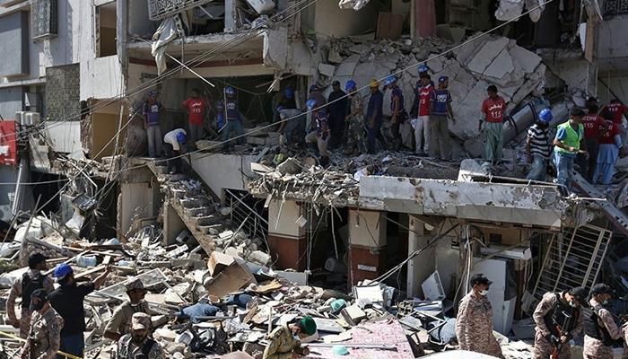 کراچی: مسکن دھماکے میں اب بھی 8 زخمی زیر علاج ہیں