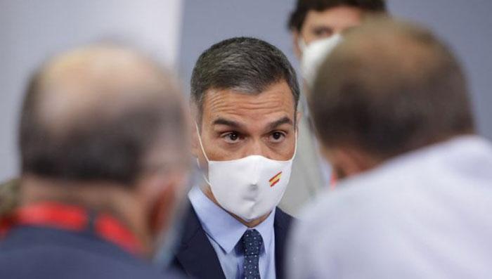 اسپین میں کورونا کیسز میں مسلسل اضافہ، اگلے سال مئی تک ایمرجنسی نافذ