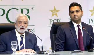 پی سی بی وسیم خان کے ساتھ معاہدے میں توسیع کا خواہشمند