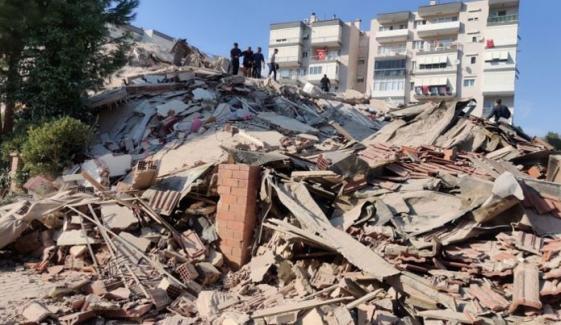 ترکی میں زلزلہ، 12 افرادجاں بحق، 400 زخمی