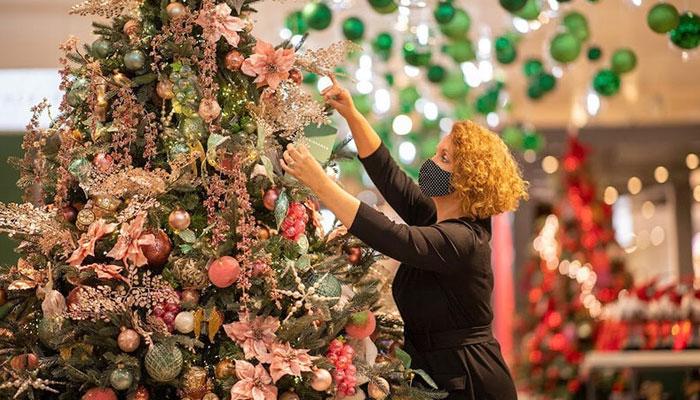 برطانیہ: کورونا کیسز کے سبب کرسمس تقریبات کی منسوخی کا خدشہ