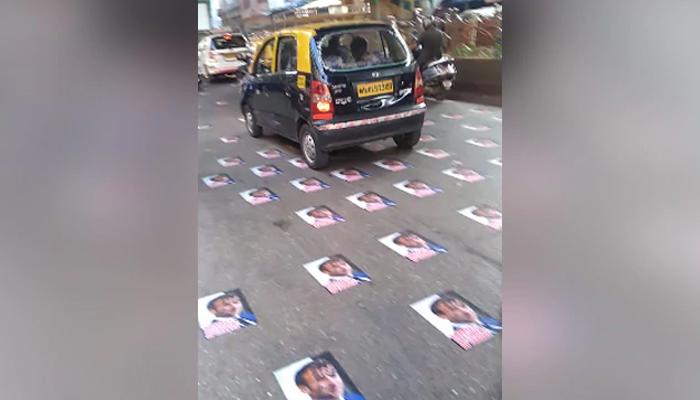 بھارت ، میکرون کے پوسٹر سڑکوں پر چسپاں کر دئیے گئے