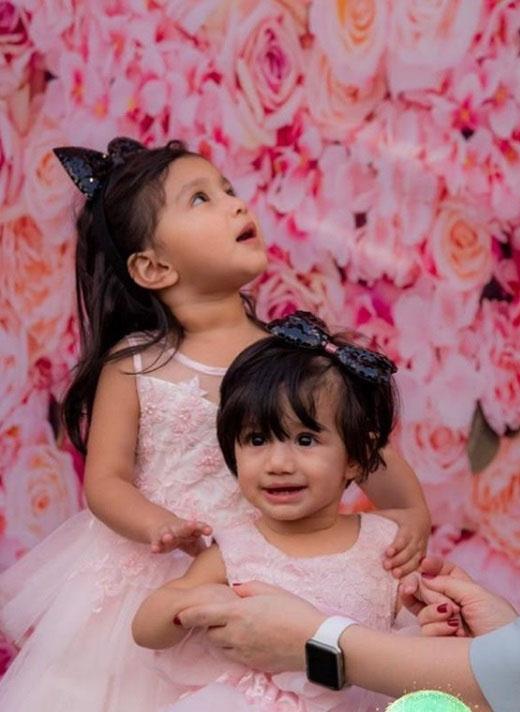 سدرہ بتول کی بٹیوں کے ہمراہ تصاویر مقبول